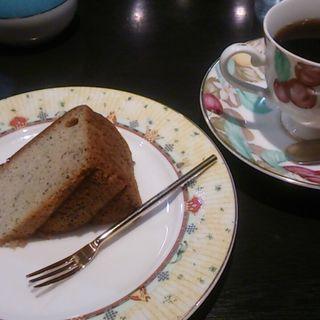ケーキセット(バナナケーキ)(カフェオーガスタ )