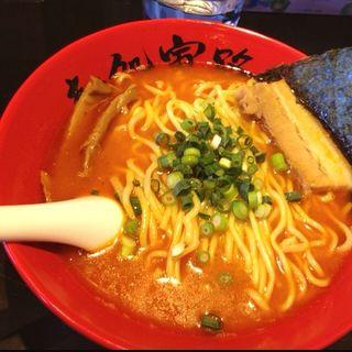 らー麺(赤)(麺処寅路)