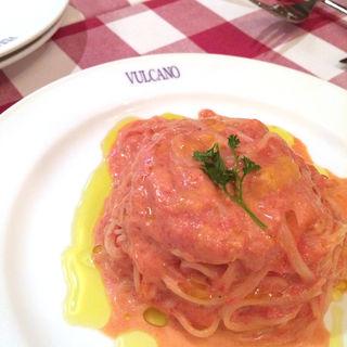 ウニとトマトの冷製カペッリーニ(ヴルカーノ)