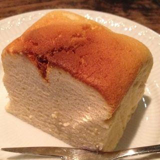 スフレチーズケーキ(桜と月の みつるぎカフェ (【旧店名】cafe松風窓))