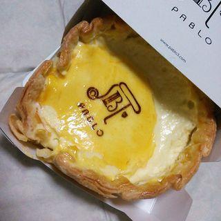 焼きたてチーズタルト レア(焼きたてチーズタルト専門店PABLO 心斎橋店 (パブロ))