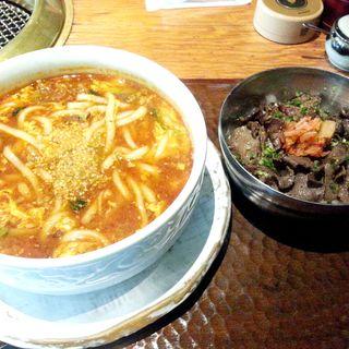 特製カルビうどん&牛タン丼セット