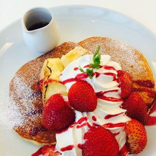 苺とクレームブリュレのパンケーキ(CHEESE CRAFT WORKS)