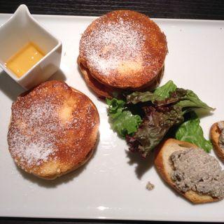 レモンとリコッタチーズのパンケーキプレート(カーサ ビアンカ カフェ (Casa bianca cafe))