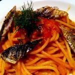 真鰯とクルミのトマトソース スパゲッティ(グリージョ ラ ターヴォラ (grigio la tavola))
