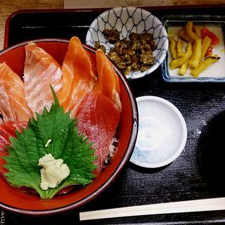 まぐろサーモン丼(仲家 (なかや))