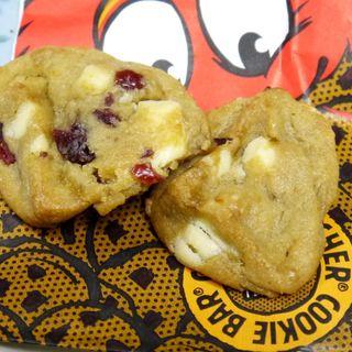 ホワイトチョコレート&クランベリークッキー(クッキータイム 原宿店 (Cookie Time))