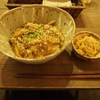 きのこと牛肉のあんかけご飯(MODeL T (モデルティー))