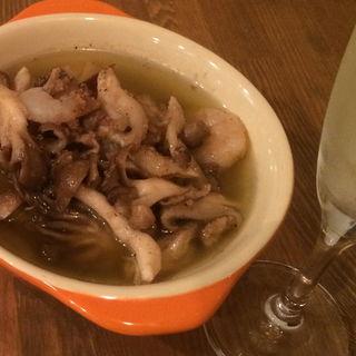 海老ときのこのガーリックオイル煮(神田バル )