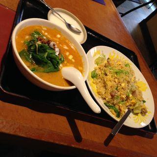 角煮チャーハン+ミニタンタン麺セット(来富市場)