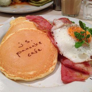 B.L.T pancake(ジェイエスパンケーキカフェ テラスモール湘南店 (j.s. pancake cafe))