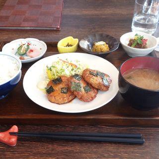 本日のランチ(豆腐ハンバーグ)(円山惣菜)
