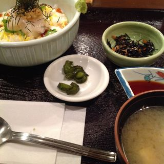 イカトロ丼(わさび )