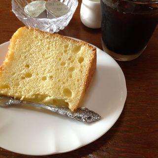 シフォンケーキとコーヒー(レストラン・サイロ (サイロ))
