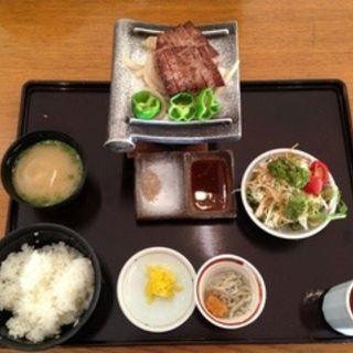 淡路島牛肉瓦焼きステーキ定食(レストラン 浜千鳥 (はまちどり))