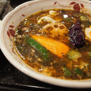 挽肉とオクラとガゴメ昆布のネヴァーカレー(吉田商店 (ヨシダショウテン))