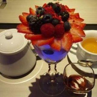 ミックスベリーキャラメルのパフェ(ベリー・カフェ 青山本店 (Berry cafe))
