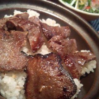 牛タン定食(とろろ付)(DANRO)