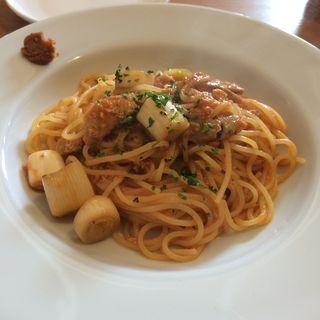 サンマと曲がりネギのトマトソース仙台味噌風味(クッチーナピッコロ (Cucina Piccolo))