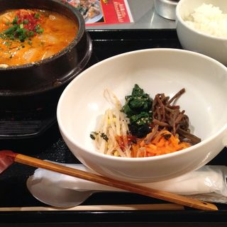 スンドゥブ定食(マビの台所 北2条店)