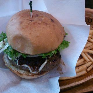 ハンバーガー(クアアイナ 丸ビル店 (KUA 'AINA))