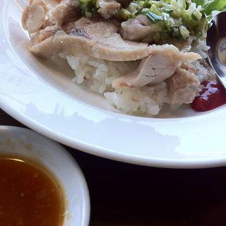 蒸し鶏かけご飯(西安餃子 アトレ大井町店 (シーアンギョウザ))