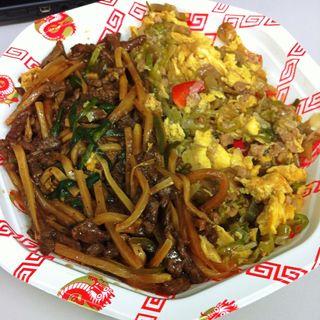 2色丼(青椒肉絲&ザーサイの卵炒め)(元祖 紙やき ホルモサ 新青山ビル (カミヤキ ホルモサ))