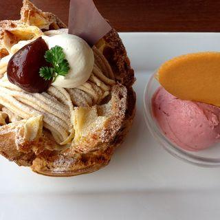 モンブラン・シュー(Mark Ole Cafe(マークオーレカフェ))