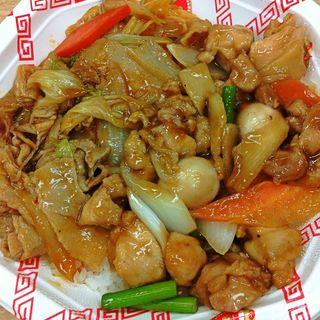 2色丼(回鍋肉&豚バラ肉とニンニクの芽のオイスターソース炒め)(元祖 紙やき ホルモサ 新青山ビル (カミヤキ ホルモサ))