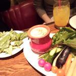旬野菜とロメインレタスのパーニャカウダ