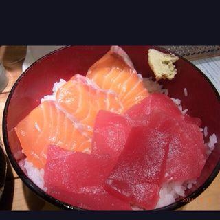 サーモンマグロ丼(鮪人 西天満店 (マグロンチュ))