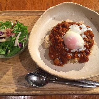3種豆のキーマカレー~温玉のせ~(カフェ パーク)