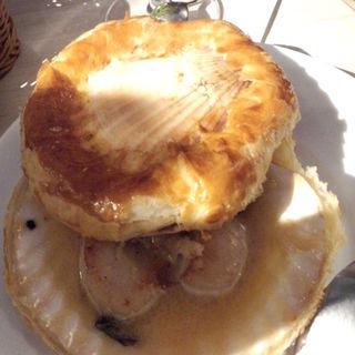 天然帆立貝のパイ包みオーブン焼き(俺のフレンチGINZA)