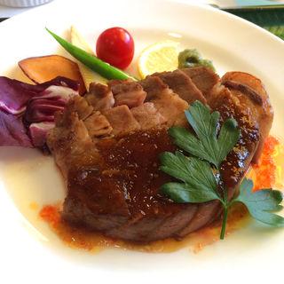 黒豚ロースステーキ(スペシャルランチ)(黒酢レストラン「黒酢本舗 桷志田」)