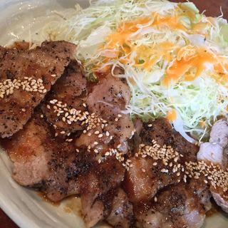 豚ロース塩コショウ焼き(金魚鉢 )