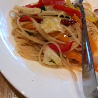 三浦半島朝摘み野菜たっぷりのスパゲッティ ペペロンチーノ(ぶどう酒食堂さくら )