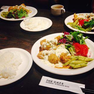 鶏もも肉の南蛮風 自家製タルタルソース(THE CAFE (【旧店名 JOJO】))