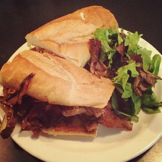 PHILLY CHEESE STEAK(CHAMPS FAMILY BAKERY)