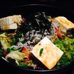 しらすと豆腐の和風サラダ(魚炉 東口原価市場 (トトロ))