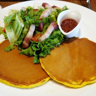茶美豚サラダ パンケーキランチ(ラ テラス カフェ エ デセール (La Terrasse Cafe et dessert))