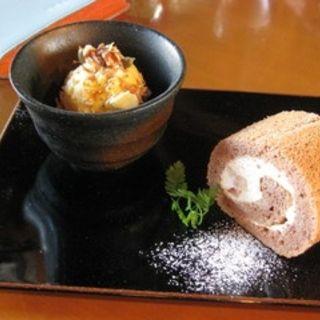 苺とココアのロールケーキセット(茂庵(もあん))