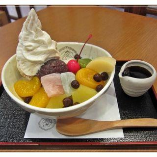 おせんべいアイスのせクリームあんみつ(両国 國技堂 (コクギドウ))