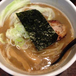 濃厚豚骨魚介ラーメン(めん屋 いなば (めんやいなば))