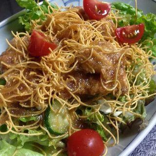 鳥の唐揚げパリパリ麺サラダ(ごはん屋 たんぽぽ )