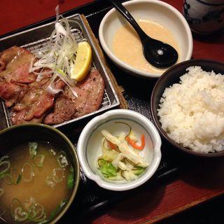 牛タン炭火焼き定食(鳥元 市ヶ谷店 (とりげん))