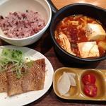 10種きのこ秋味純豆富とサムギョプサル定食(Vegeけなりぃ ecute品川South店 (ベジケナリイ))