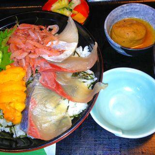 海鮮丼(市場の厨房 (いちばのちゅうぼう))