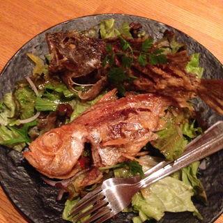 雑魚の唐揚げ(ウオサンジ )