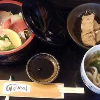 海鮮ちらし定食(ミニうどん、小鉢付き)(すえひろ )
