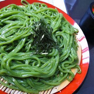 「ざるうどん」(ヨモギ麺・夏のみ)(留さんうどん)